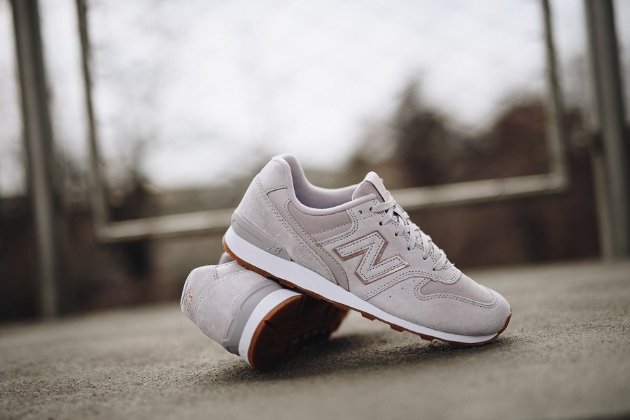 New Balance WR996NEA | viola | da 69,50 € SneakerStudio.it