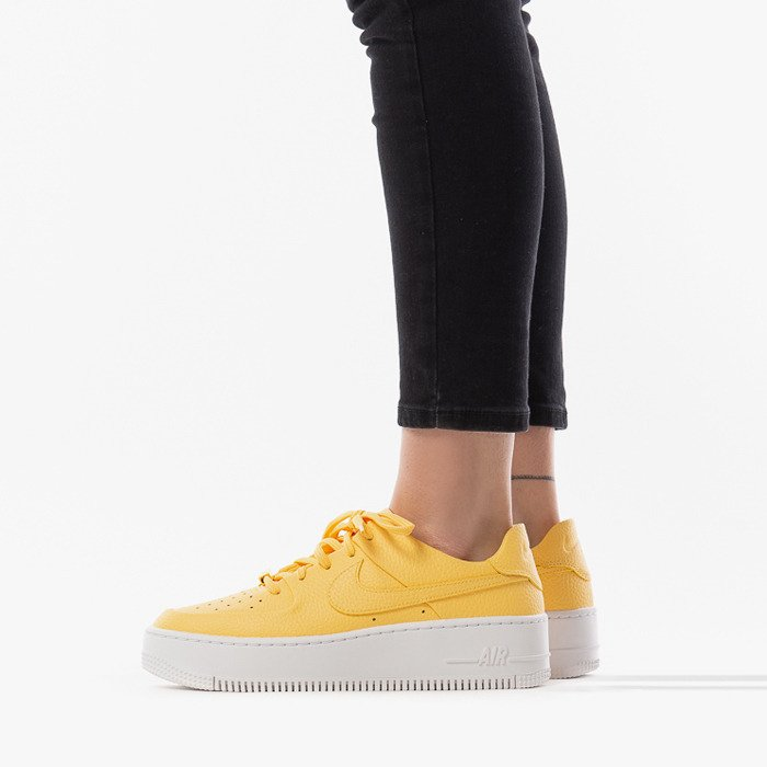 AIR FORCE 1 SAGE LOW Giallo Donna | Sneakers NIKE > Under