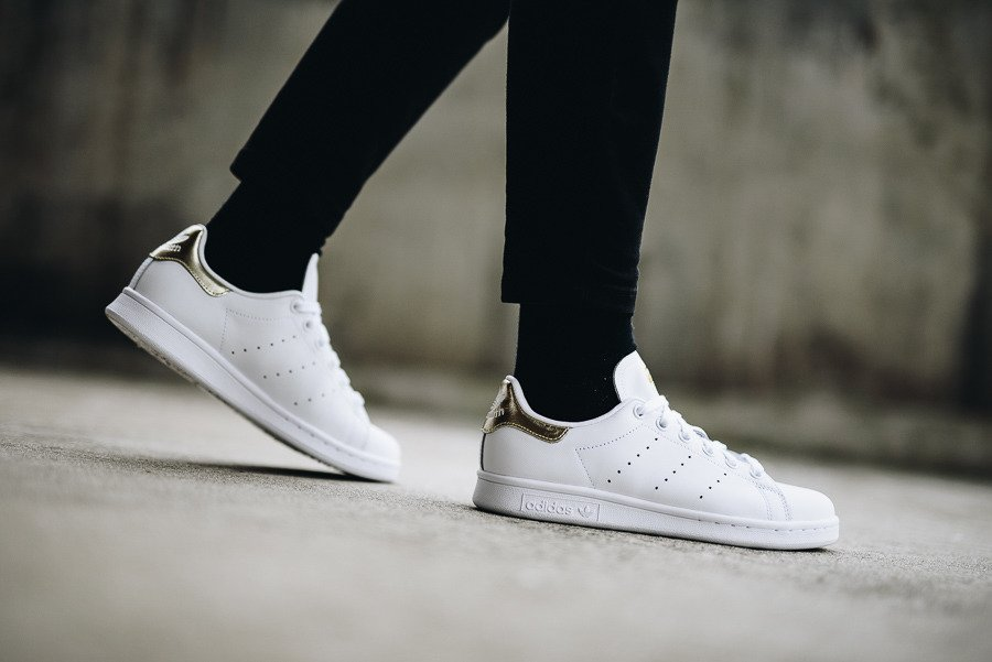 outlet store 31a06 de069 ... Scarpe da donna adidas Originals Stan Smith EE8836 ...