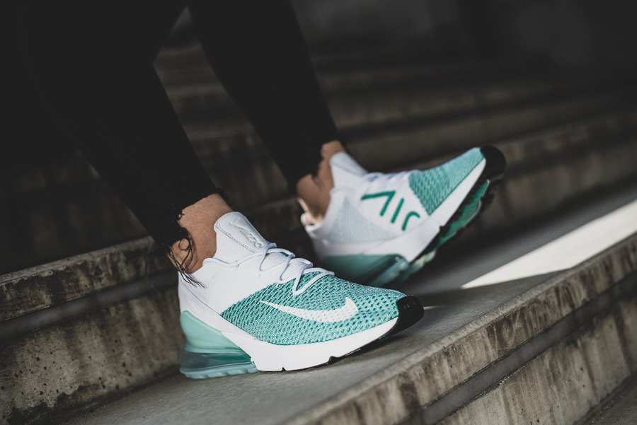 Scarpe da donna sneakers nike air max 270 flyknit ah6803 301 sneakerstudio turchesi