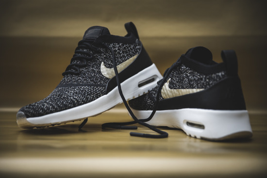 "Scarpe da donna sneakers Nike Air Max Thea Ultra Flyknit ""Metallic Gold"" Pack 881564 001"